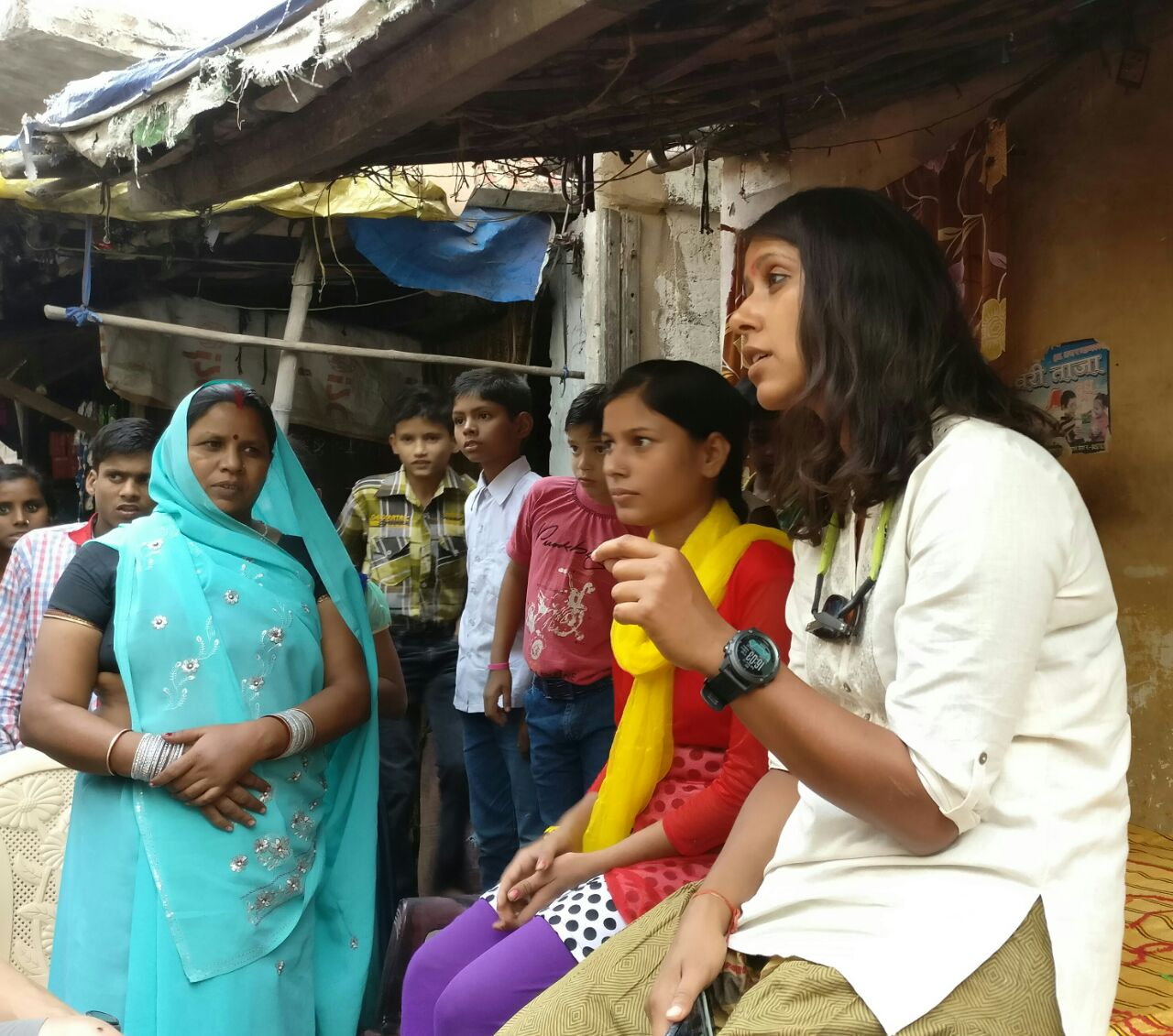 Shilpika speaks with a group of women about sanitation at WaterAid's project site in Kanpur. Photo © GangesSup