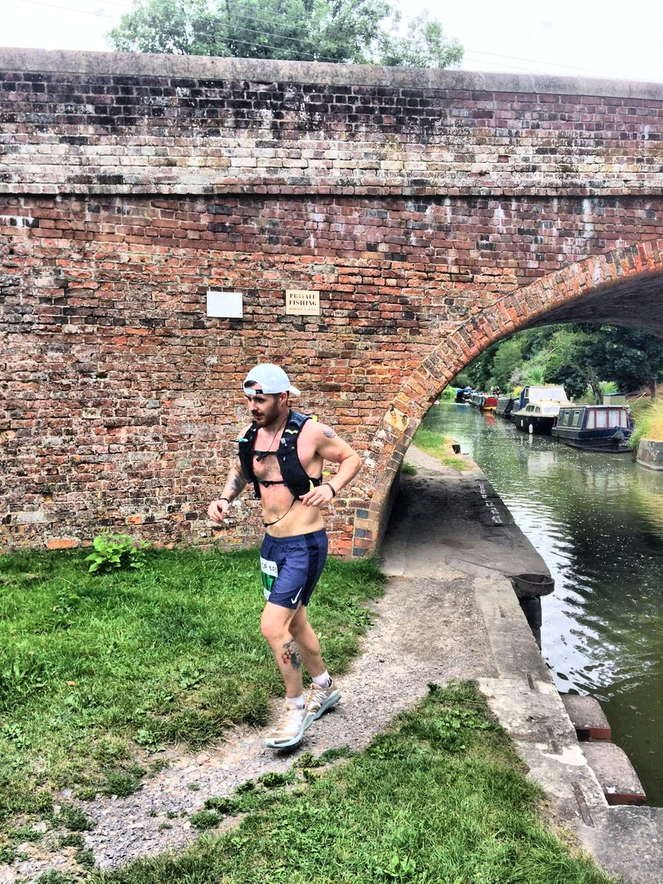 2019: Rhys approaching Mile 40 of Bristol to London KACR race where they both finished, only 33% of starters completed this year.
