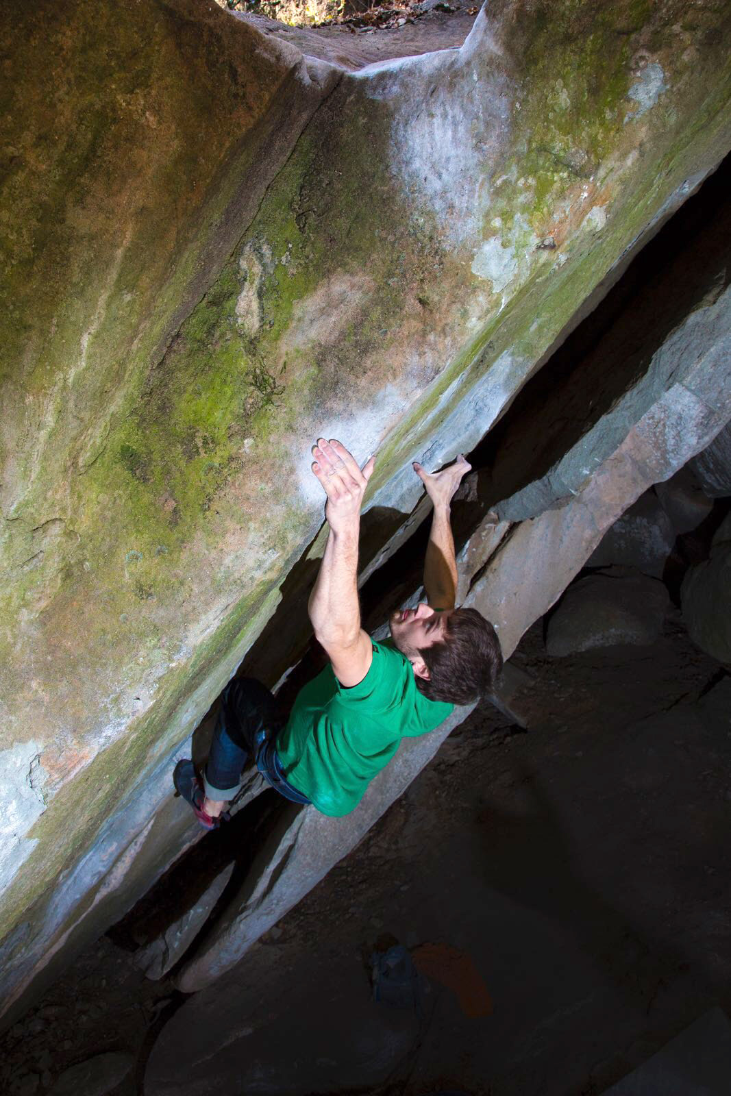 Pol Roca on Double Bubble (V14/8B+), a first ascent he made at La Comarca. Photo: Estabn Laoz.