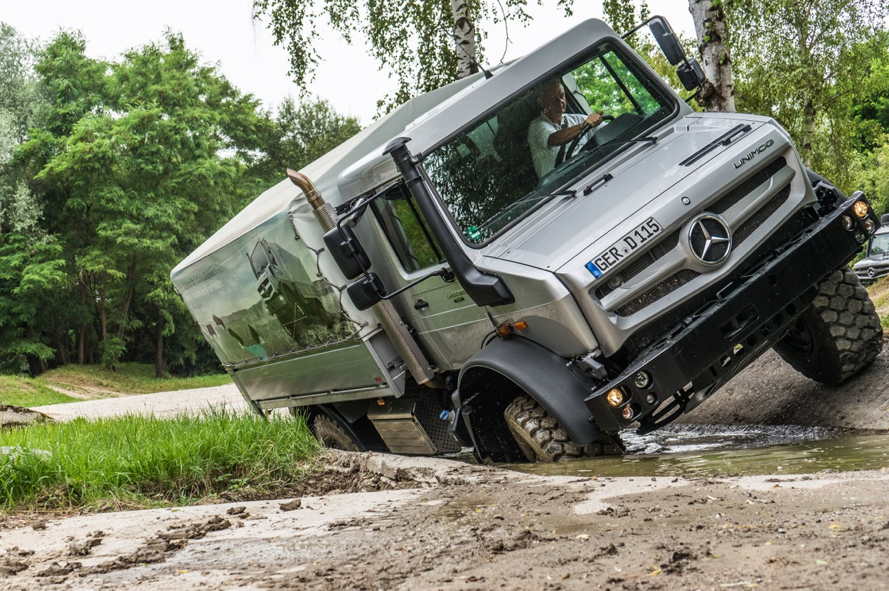 How to Drive a Mercedes-Benz Unimog – The Outdoor Journal