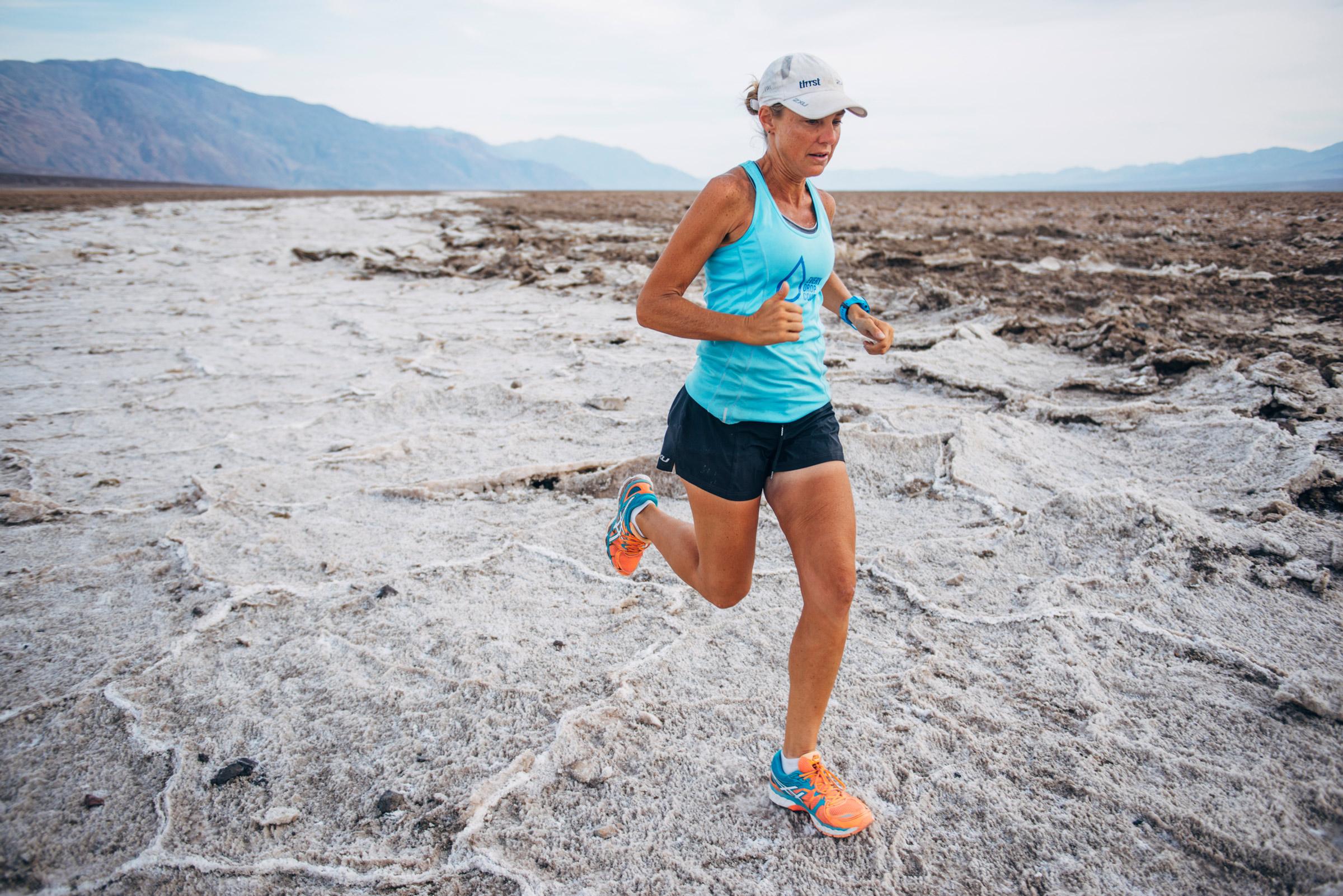 Mina-Guli-running-the-Mojave-Desert-4---7-Deserts-Run---March-2016.jpg