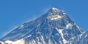 Everest avalanche death
