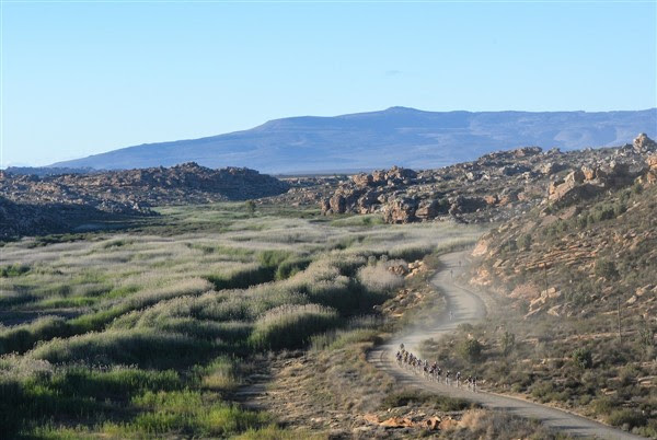 The unforgiving landscape and hot, dry conditions of the Kouebokkeveld region of the Western Cape province increase the difficulty level of the the race. Photo credit: www.zcmc.co.za